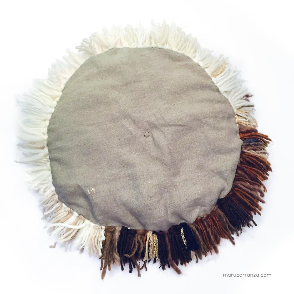 cushions-kissen- תל אביב רקמה -cojines-tapestry-wool-weben-knotted-wolle-lana-laine-schur-natural-marucarranza-smyrna-chair-berlin-telaviv-madrid-02