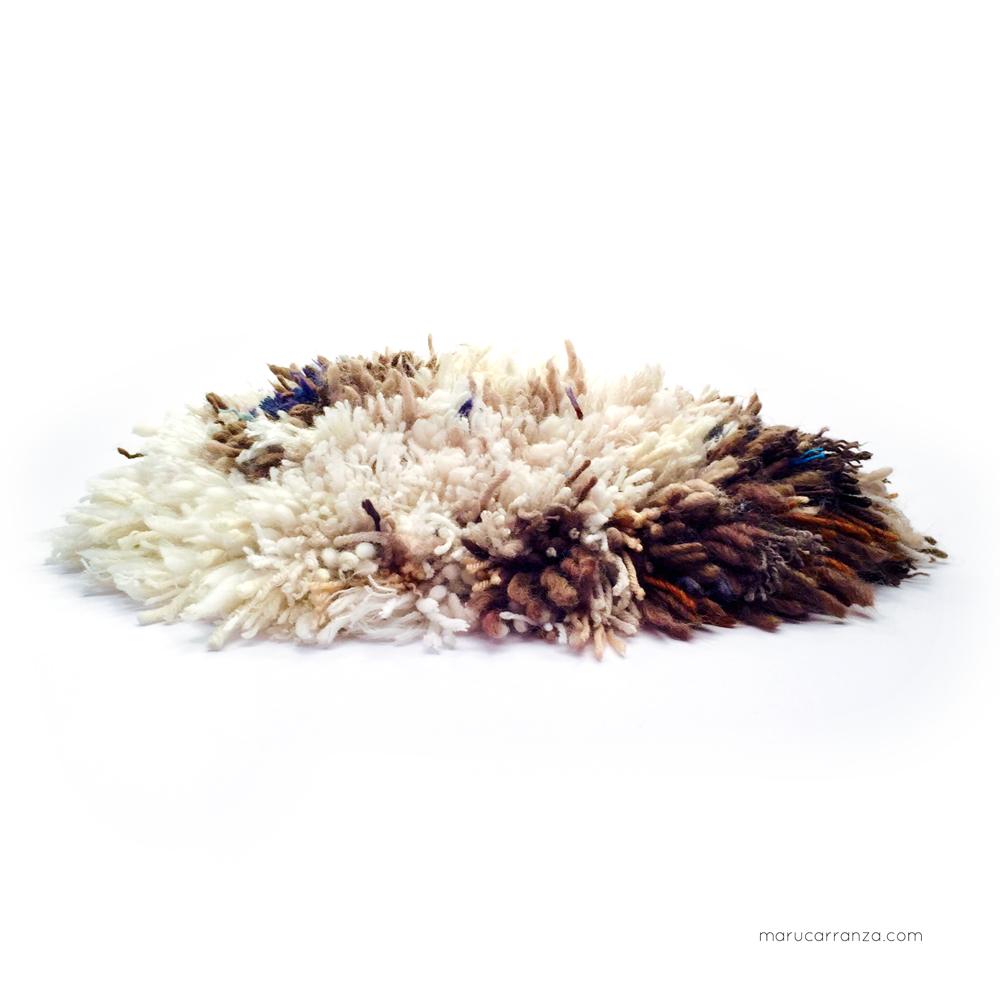 cushions-kissen-cojines- תל אביב רקמה -tapestry-wool-weben-knotted-wolle-lana-laine-schur-natural-marucarranza-smyrna-chair-berlin-telaviv-madrid-02